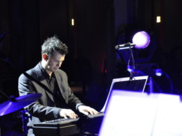 Koncert Niepodległości 2010. Pianista Marcin Riege (fot.Paweł Rzeńca)