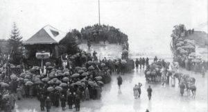 Uroczystość zaślubin Polski z morzem prowadzona przez gen. Józefa Hallera. Puck, 10 lutego 1920 fot. NAC